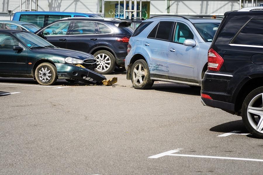 Verkehrsunfall: Haftung eines stehenden zuvor rückwärts ausgeparkten Fahrzeugs